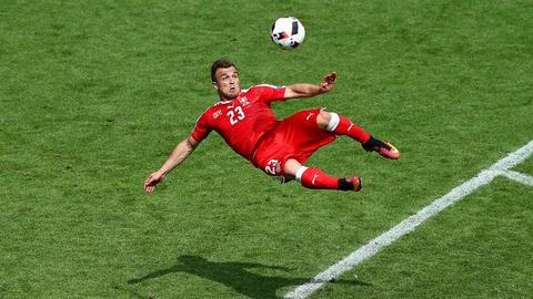 Cu danh dau cua Ronaldo lot top khoanh khac an tuong o Euro hinh anh 4