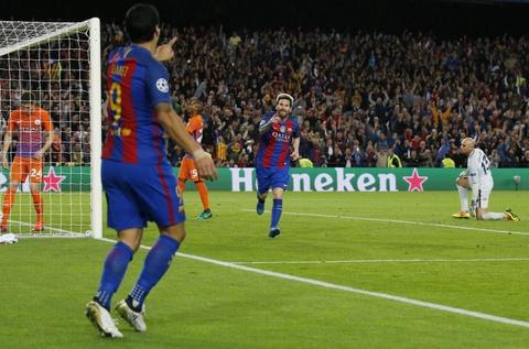 Messi lap hat-trick giup Barca de bep Man City 4-0 hinh anh 7