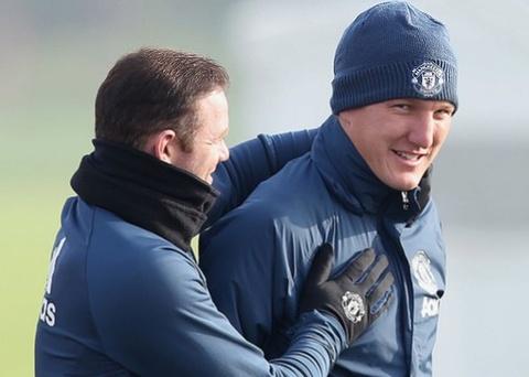 Mourinho noi ve co hoi ra san cua Schweinsteiger hinh anh