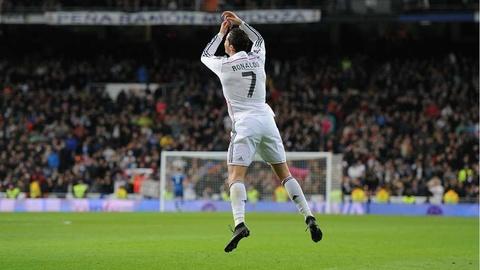 Nhung cot moc dang nho cua Ronaldo tai Real Madrid hinh anh 11