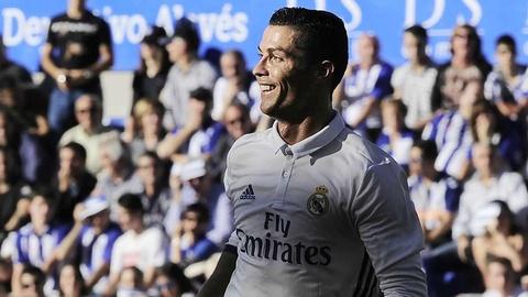 Nhung cot moc dang nho cua Ronaldo tai Real Madrid hinh anh 22