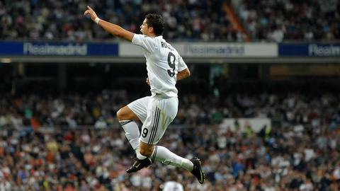 Nhung cot moc dang nho cua Ronaldo tai Real Madrid hinh anh 4