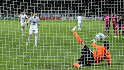 Nhung cot moc dang nho cua Ronaldo tai Real Madrid hinh anh 7
