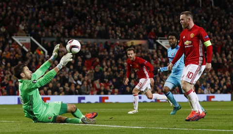 Rooney di vao lich su sau tran thang 4 sao hinh anh 4