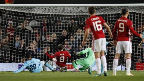 Rooney di vao lich su sau tran thang 4 sao hinh anh 6