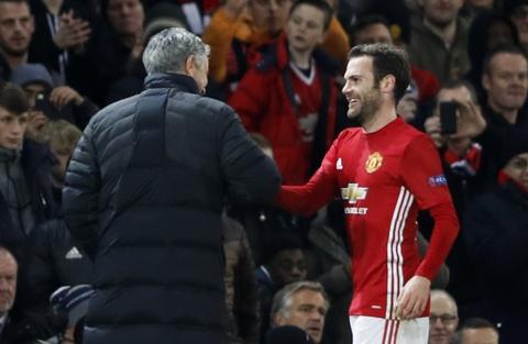 Rooney di vao lich su sau tran thang 4 sao hinh anh 8