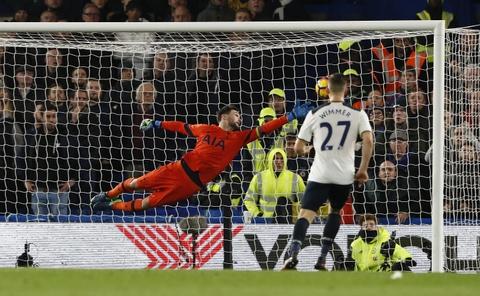 Nguoc dong ha Tottenham, Chelsea tro lai ngoi dau bang hinh anh 7