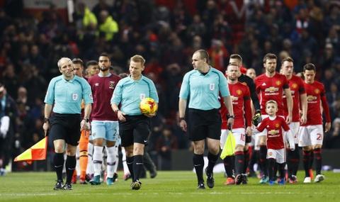 Vui dap West Ham 4-1, MU vao ban ket League Cup hinh anh 2