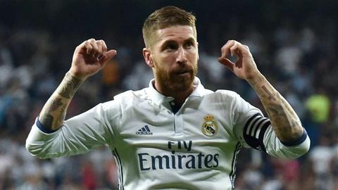 Ronaldo loai Suarez khoi sieu doi hinh ket hop El Clasico hinh anh 5