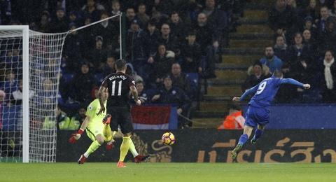 Vardy lap hat-trick, Leicester de bep Man City 4-2 hinh anh 3
