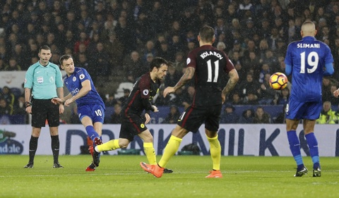 Vardy lap hat-trick, Leicester de bep Man City 4-2 hinh anh 4