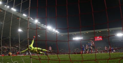 Fabregas toa sang giup Chelsea bo xa Arsenal 6 diem hinh anh 4