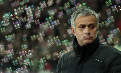 Mourinho om chat 'nguoi hung' De Gea sau tran thang hinh anh 2