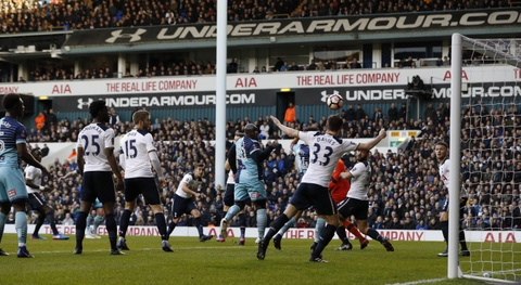 Tottenham vat va loi nguoc dong truoc CLB hang tu hinh anh 3