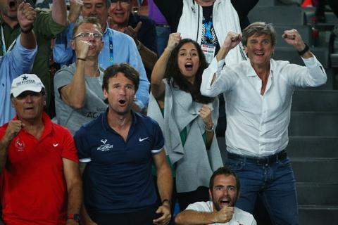 Vo, ban gai chay het minh co vu Federer, Nadal hinh anh 10
