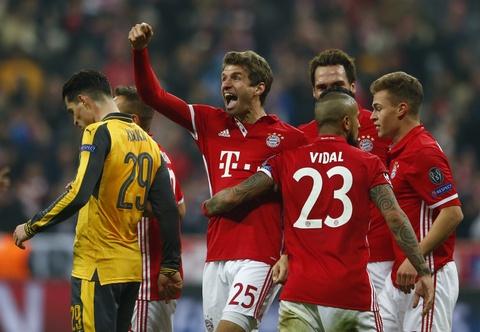 Bayern vui dap Arsenal 5-1 tren san nha hinh anh 14