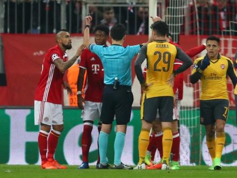 Bayern vui dap Arsenal 5-1 tren san nha hinh anh 7