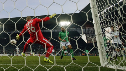 Mkhitaryan ghi ban giup MU vao vong 1/8 Europa League hinh anh 5