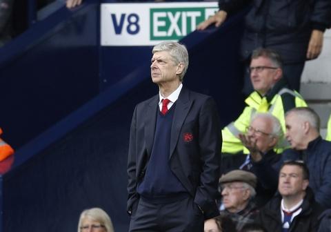 Arsenal thua tran thu 2 lien tiep, Wenger doi dien nguy co bi sa thai hinh anh 13