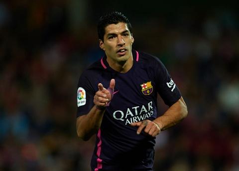 De bep Granada, Barca pha hoi nong vao Real Madrid hinh anh 3