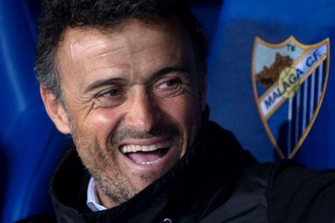 Neymar nhan the do, Barca thua soc Malaga hinh anh 2