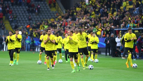 Canh sat ho tong xe buyt cua Dortmund den tan cua SVD hinh anh 7