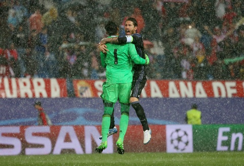 Thanh Madrid chia nua buon vui sau tran derby kich tinh hinh anh 1