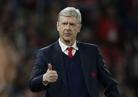 Hang loat cot moc duoc lap trong ngay Arsenal ap sat top 4 hinh anh 9