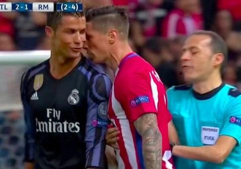 Torres san so doi an thua du voi Ronaldo hinh anh