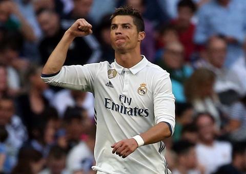 Real vs Sevilla (4-1): Ronaldo lap cu dup hinh anh