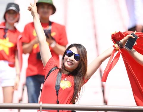 CDV Viet Nam 'doi nang' den SVD Jeonju truoc tran gap U20 Honduras hinh anh 11
