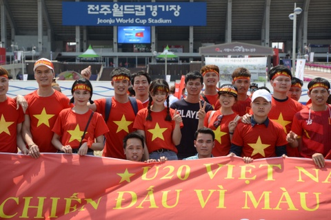 CDV Viet Nam 'doi nang' den SVD Jeonju truoc tran gap U20 Honduras hinh anh 3