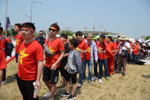 CDV Viet Nam 'doi nang' den SVD Jeonju truoc tran gap U20 Honduras hinh anh 5