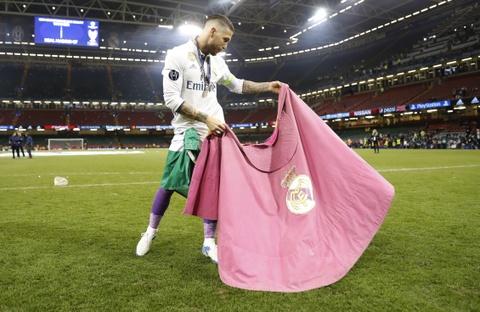 Cham diem chung ket Champions League: Ronaldo khong phai hay nhat hinh anh 4