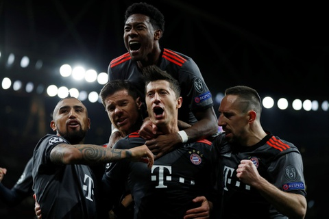 Champions League 2016/17: Hay goi Ronaldo la huyen thoai hinh anh 8