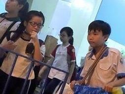 Hoc tro kiet suc vi hoc: Loi tai phu huynh hay do he thong? hinh anh