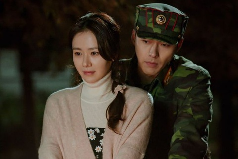 'Ha canh noi anh', 'Tang lop Itaewon' va suc hut cua phim Han mua dich hinh anh