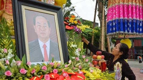 Nguoi Ninh Binh lap ban tho ben duong don linh cuu Chu tich nuoc hinh anh