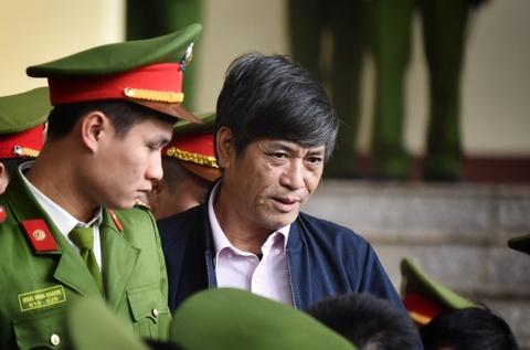 Nguyen Thanh Hoa quanh co, choi toi nen bi xu nghiem hinh anh