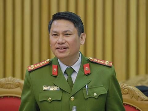 Cong an Ha Noi noi ve viec bat giam ke cam dau bao ke o cho Long Bien hinh anh