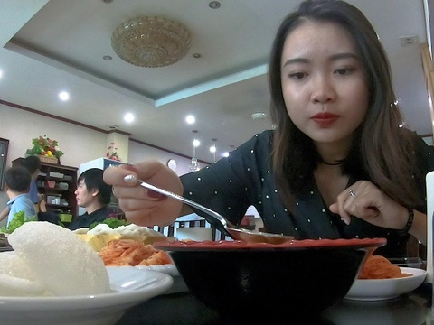 Trai nghiem mon an tai nha hang Trieu Tien giua long Ha Noi hinh anh