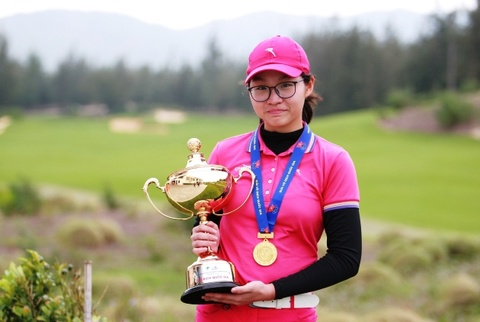 Nu golf thu 14 tuoi lap ky luc o giai vo dich quoc gia hinh anh