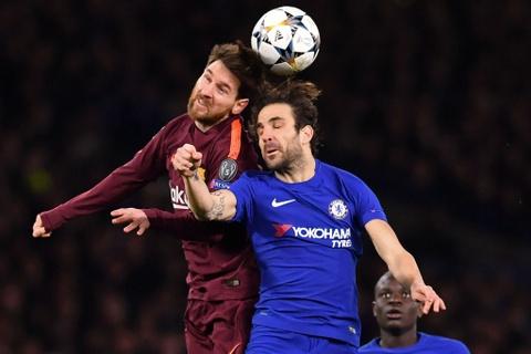 Chelsea can lam gi de chan duoc Messi va Barca? hinh anh