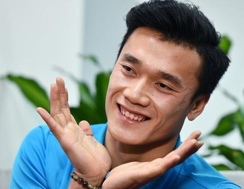 Bui Tien Dung, Quang Hai va nhung ngoi sao tang thu nhap tu quang cao hinh anh