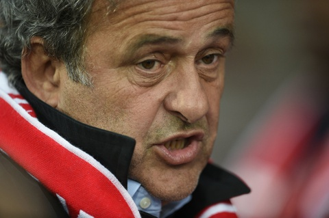 Duoc toa tuyen trang an, Michel Platini doi FIFA bo an phat hinh anh