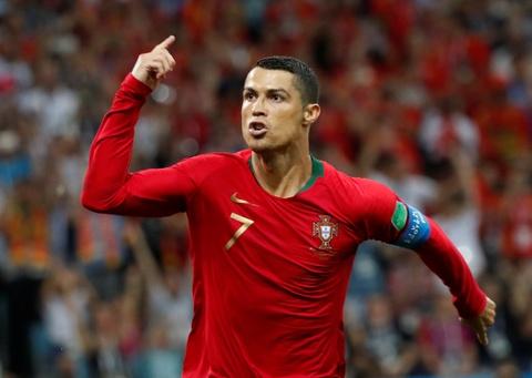 Chua day mot nam, hang loat ong lon tro thanh 'nan nhan' cua Ronaldo hinh anh