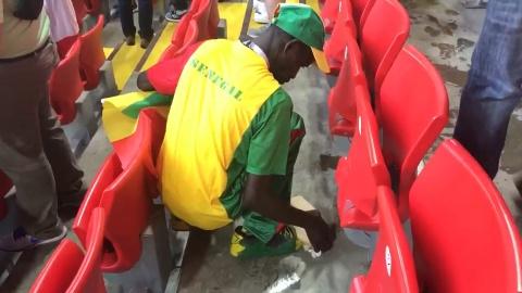Co dong vien Senegal duoc tan duong vi don rac tren SVD hinh anh
