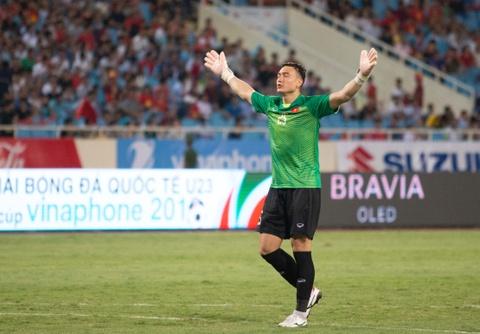 Duong Hong Son: Ong Park chi chon Van Lam khi Bui Tien Dung qua sa sut hinh anh 4