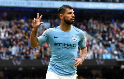 Aguero ghi hat-trick, Man City danh tennis truoc Huddersfield hinh anh