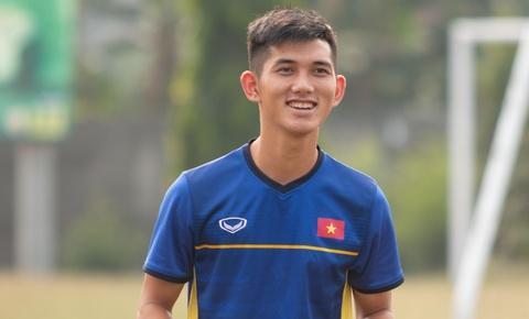 U19 Viet Nam tap nhe tu sang som quanh khach san hinh anh
